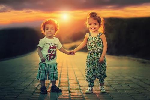 children oxytocin happy brain chemicals